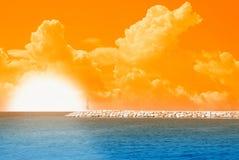 Sonnenaufgang am Horizont stockfotos