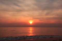 Sonnenaufgang an Hua--Hinstrand Stockfotos