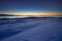 Sonnenaufgang im kalten Morgen lizenzfreies stockfoto