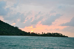 Sonnenaufgang im Meer Lizenzfreie Stockbilder