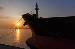 Sonnenaufgang im Seehafen von Odesa Lizenzfreie Stockfotografie