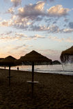 Sonnenaufgang im Strand Stockfotos