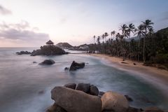Sonnenaufgang im Strand in Kolumbien, Caribe stockfotografie