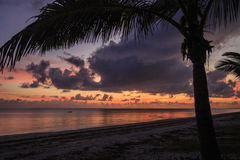 Sonnenaufgang - Inhassoro - Mosambik Stockbild