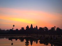 Sonnenaufgang am Khmer-Tempel Lizenzfreie Stockfotos