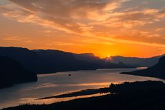 Sonnenaufgang am Kronen-Punkt stockfoto