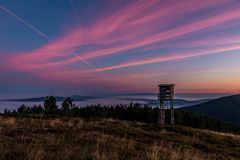 Sonnenaufgang an Lousa-Berg, Lousa, Portugal Stockfotos