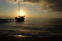 Sonnenaufgang in Meer Lizenzfreies Stockfoto