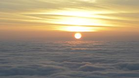 Sonnenaufgang mit Wolken bewegen sich schnell stock footage