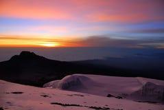 Sonnenaufgang am mt Kilimanjaro, Tansania stockbilder