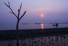 Sonnenaufgang in Nord-Jakarta, im November 2014 Lizenzfreie Stockfotografie