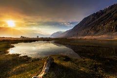 Sonnenaufgang an Nubra-Tal, Leh Ladakh, Indien Lizenzfreies Stockbild
