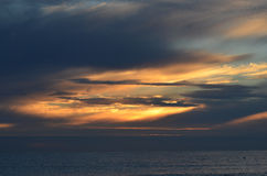 Sonnenaufgang in Ostsee stockbilder
