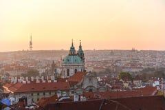 Sonnenaufgang in Prag Stockfotos