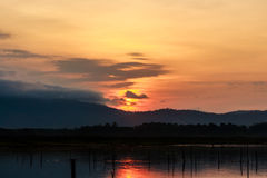 Sonnenaufgang am Reservoir Stockfoto
