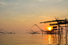 Sonnenaufgang am See Thailand Stockfotos