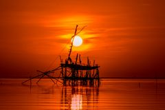 Sonnenaufgang in songkhla See Phatthalung Thailand Lizenzfreie Stockfotos