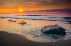 Sonnenaufgang-Steine Stockfotos