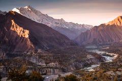 Sonnenaufgang an Tal Hunza Nagar Gilgit baltistan, Pakistan stockfotografie