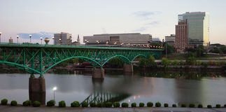 Sonnenaufgang-Tennessee River Knoxville Downtown City-Skyline Stockfoto
