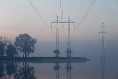 Sonnenaufgang- und Übertragungszeilen Stockfoto