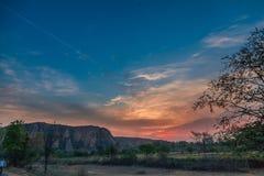 Sonnenaufgang und Dorflandschaft Lizenzfreie Stockfotos