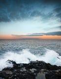 Sonnenaufgang und Ozean lizenzfreies stockbild