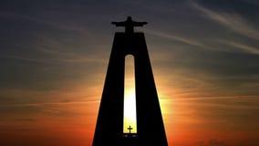Sonnenaufgang und Statue von Christus der König Geschossen auf Kennzeichen II Canons 5D mit Hauptl Linsen stock video
