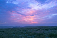 Sonnenaufgang und Wiese Stockfotos