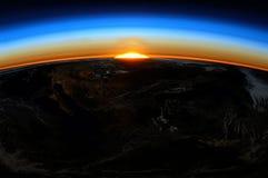 Sonnenaufgang von Erde stockbild
