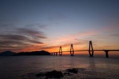 Sonnenaufgang von Gadeokdo-Insel und von Geoga-Brücke Lizenzfreie Stockbilder