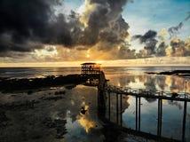 Sonnenaufgang an Wolke 9 - Siargao-Insel - die Philippinen lizenzfreie stockfotografie