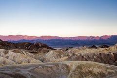 Sonnenaufgang an Zabriskie-Punkt, Nationalpark Death Valley, USA Lizenzfreie Stockfotos