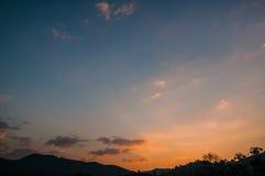 Sonnenaufganghimmellandschaft Stockfoto