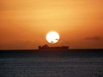Sonnenaufgangschiff Stockfotos