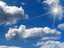 Sonnenaufgangsonne-Himmelwolken Lizenzfreie Stockfotografie