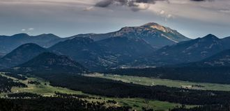 Sonnenbeschiener Rocky Mountain Peak Stockbild