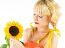 Sonnenblumemädchen stockfotografie