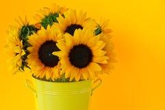 Sonnenblumen im Vase Lizenzfreies Stockfoto