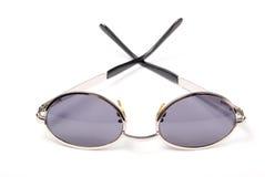 Sonnenbrillen auf Weiß Stockfotos