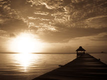 Sonnendurchbruch über Belize Stockfoto