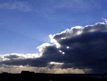 Sonnendurchbruch lizenzfreies stockfoto
