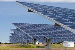 Sonnenenergieerzeugung Stockfoto