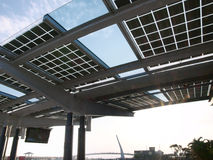 Sonnenenergiepanel lizenzfreie stockbilder