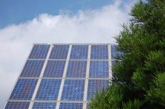 Sonnenenergiepanel Stockfoto
