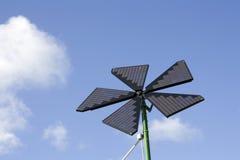 Sonnenenergiepanels lizenzfreie stockbilder