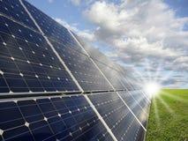 Sonnenenergiestation - photovoltaics Stockfotografie