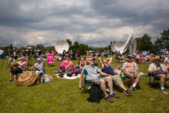 Sonnenfinsternis-Zuschauer stockbild