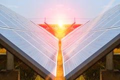 Sonnenkollektor, alternative Stromquelle - Konzept von stützbaren Betriebsmitteln und dieses ist ein neues System, das erzeugen k stockfoto
