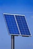 Sonnenkollektor - blauer Himmel Lizenzfreies Stockfoto